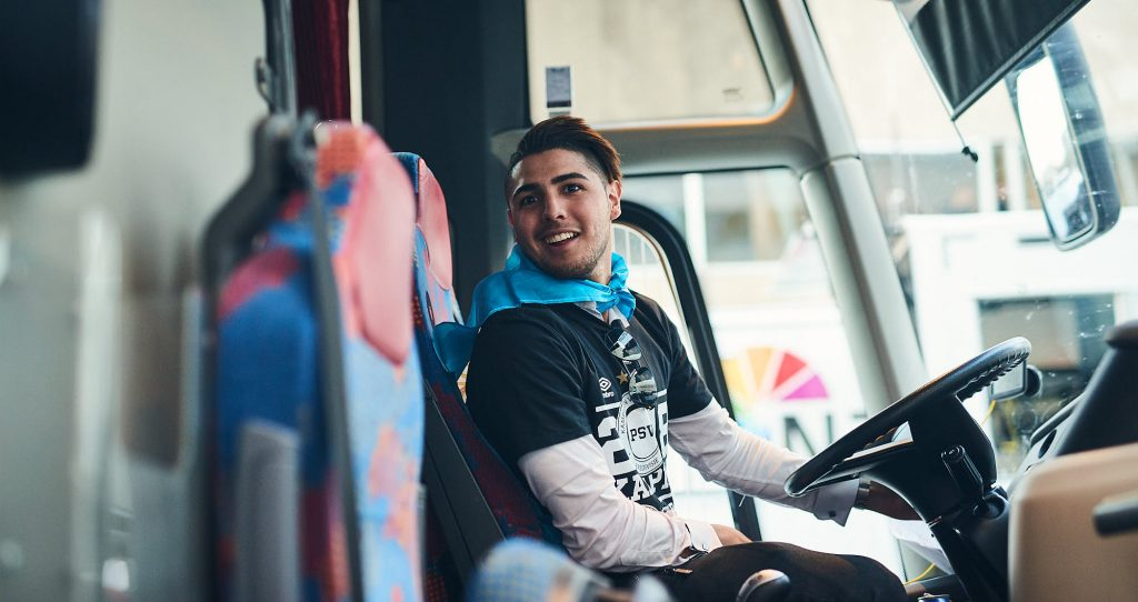 Maxi Romero on a bus during PSV Eindhoven title celebrations