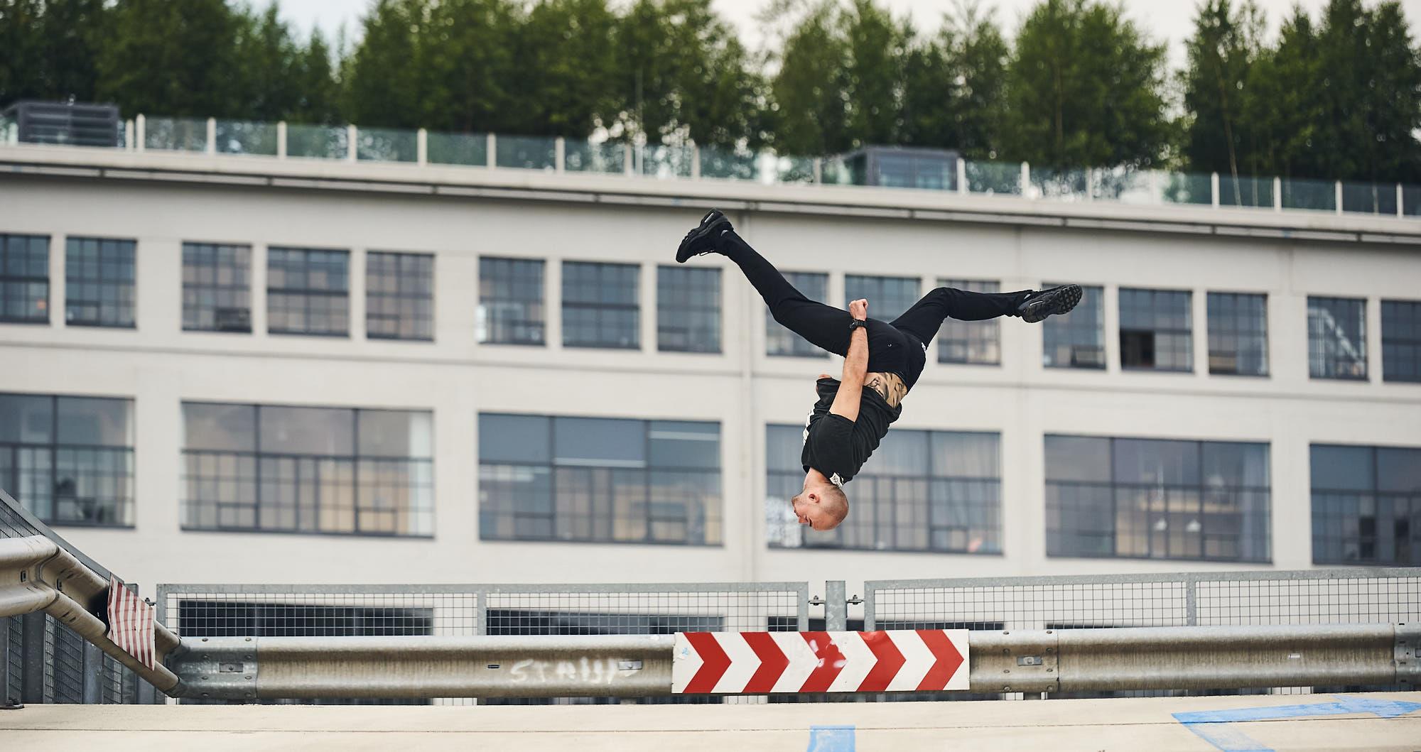 Kelian Cieslak performing a trick in the air
