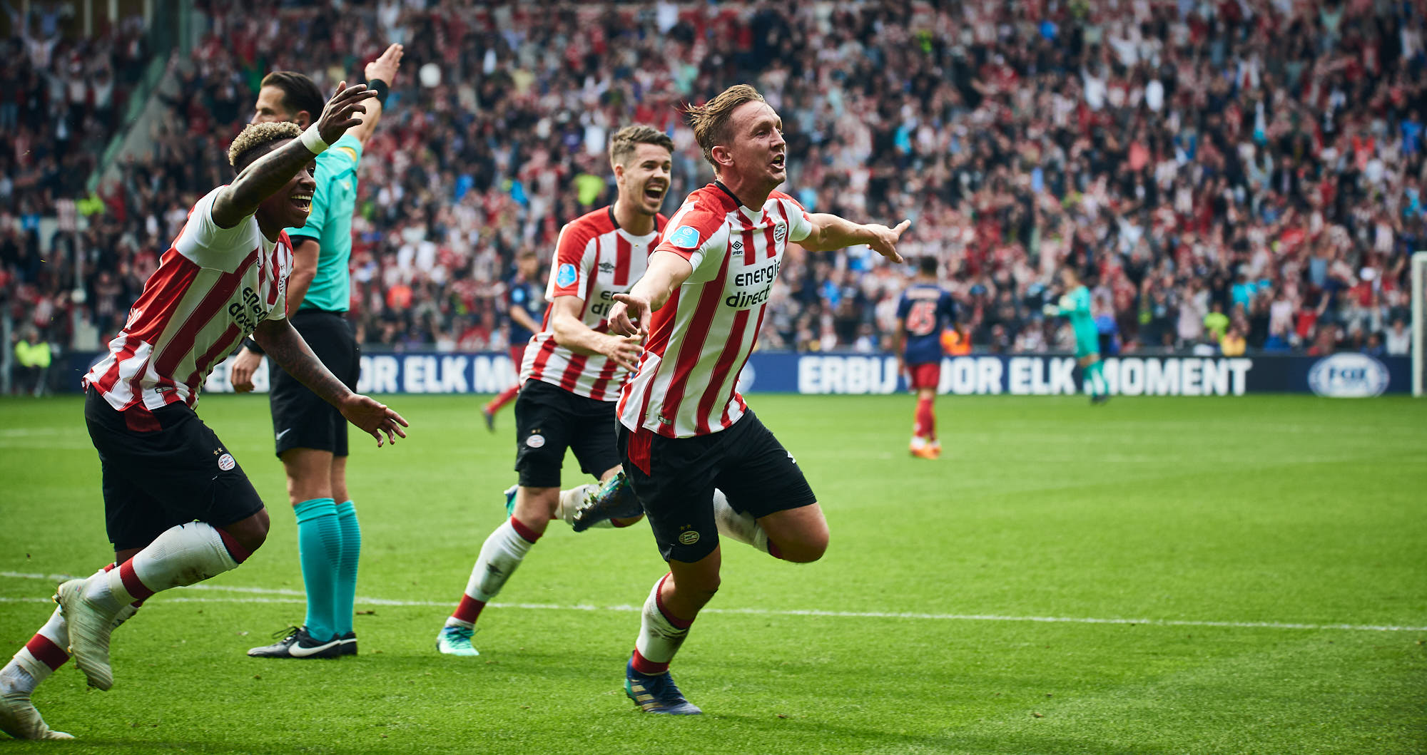 An ecstatic Luuk de Jong after having scored a goal