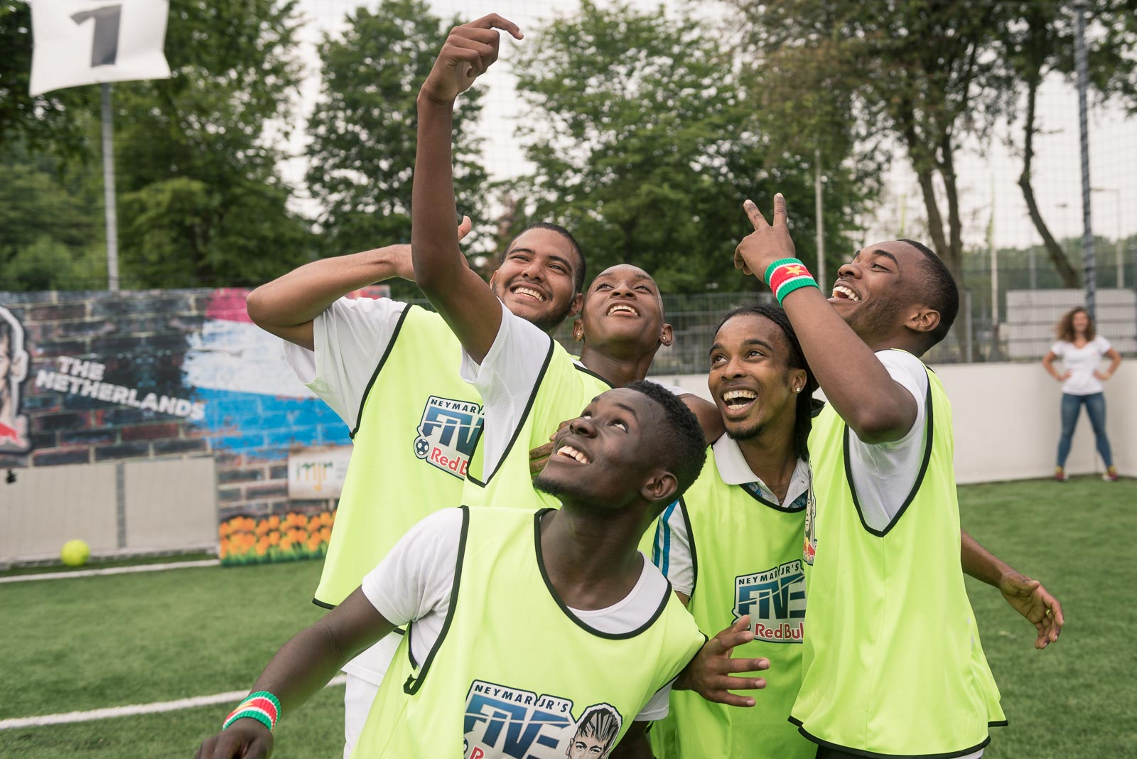Football players taking a selfie during Red Bull Neymar Jr's Five tournament