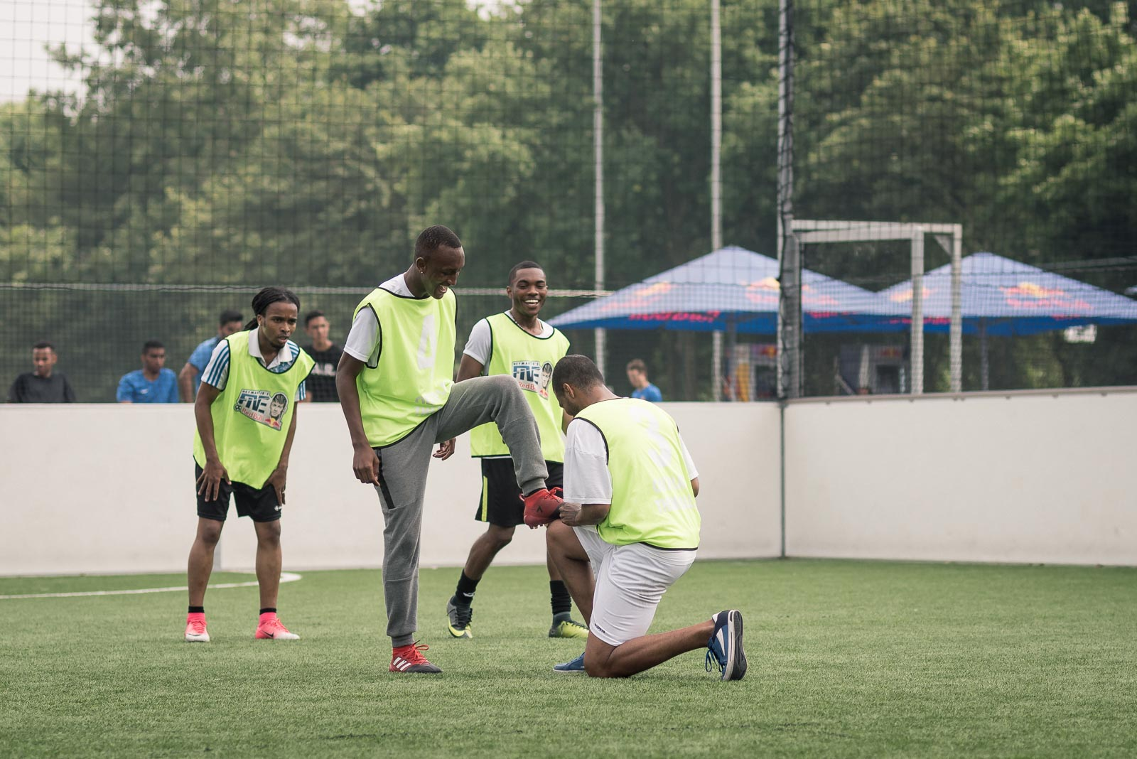 Football players celebrating a goal during Red Bull Neymar Jr's Five