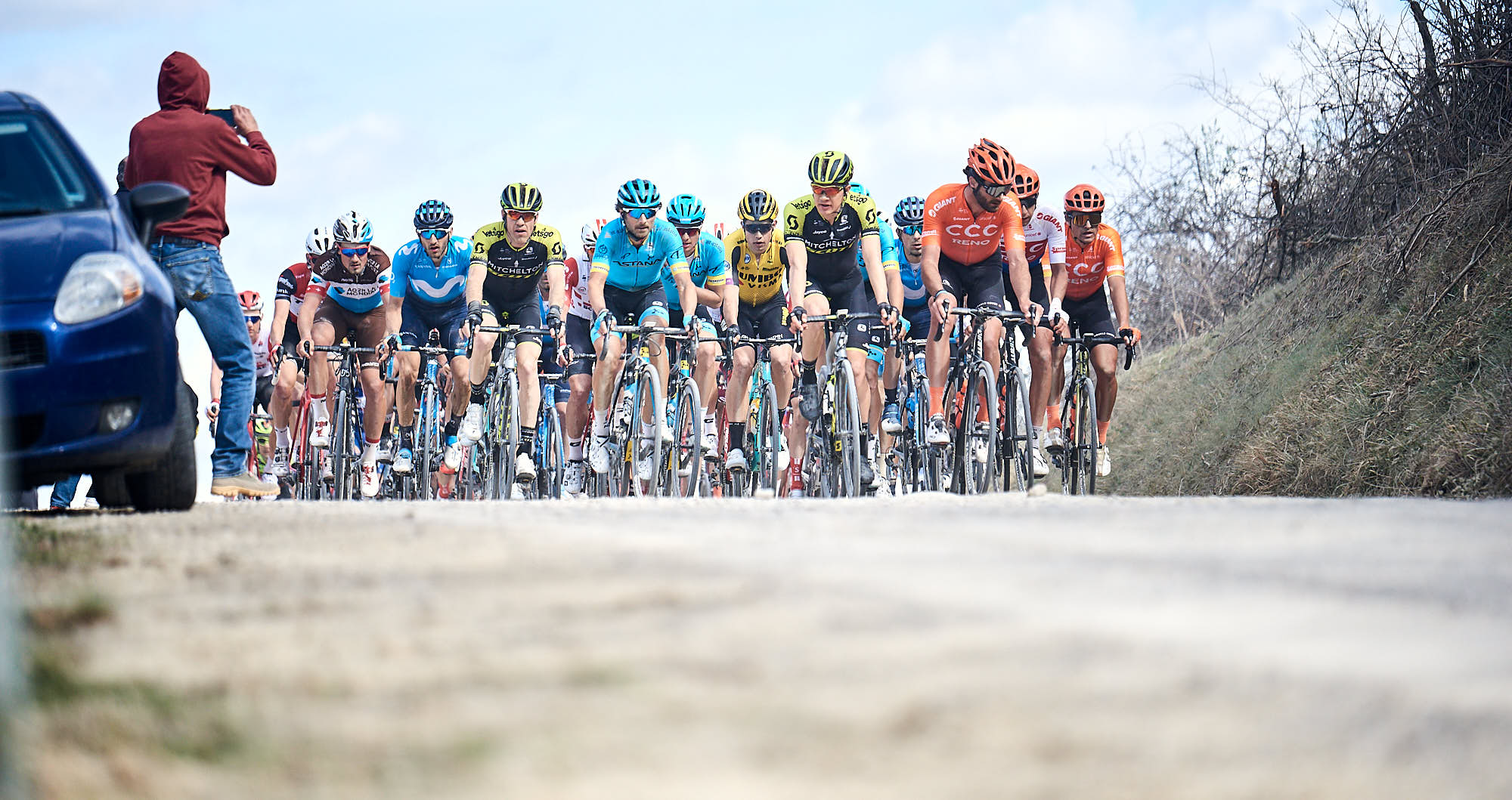 The bunch during Strade Bianche