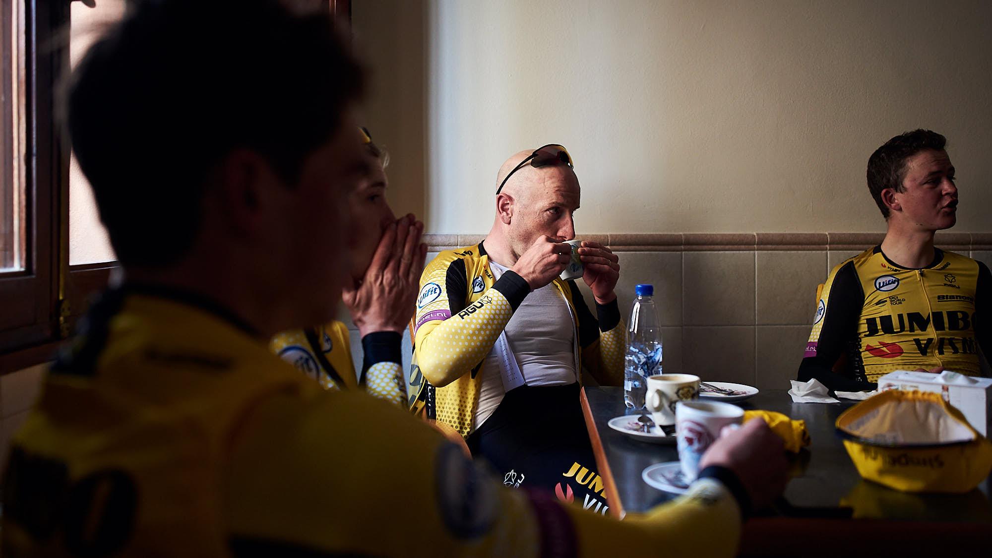 Cyclist Jos van Emden enjoying a coffee